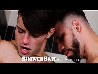 Boyfriend Tv Com Belos Gays Metendo Gostoso No Banheiro