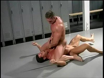 Gay Male Fazendo Sexo Anal Brutal